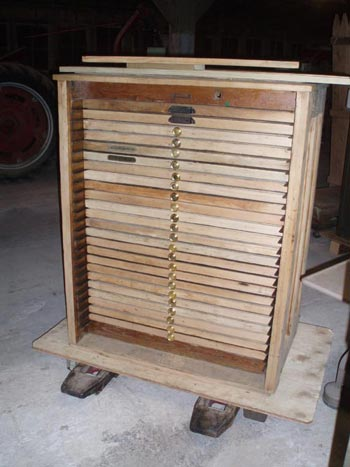 Hamilton Type Cabinet With Knobs